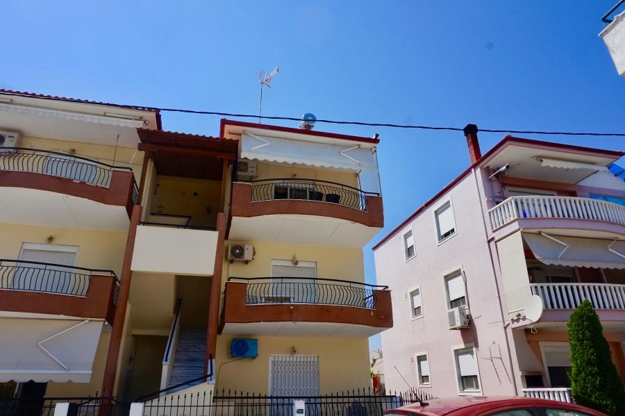 Апартамент на втори етаж в Паралия Офринио