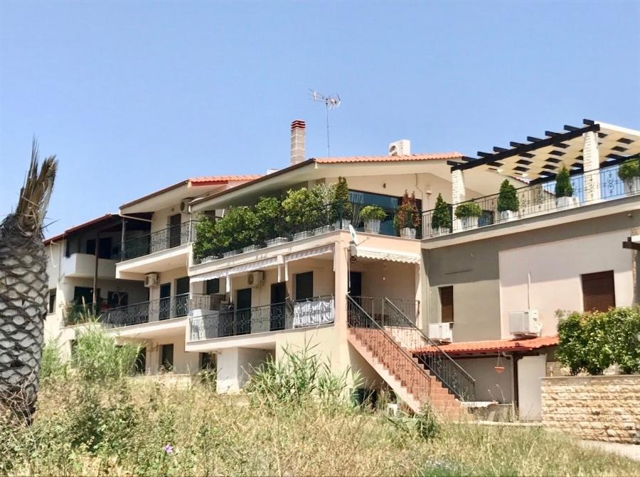 Апартамент в Паралия Карияни